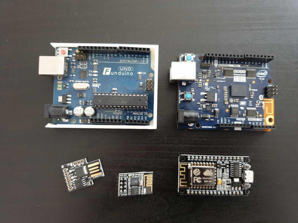 Kleines Sammlung von Mikrocontrollern.