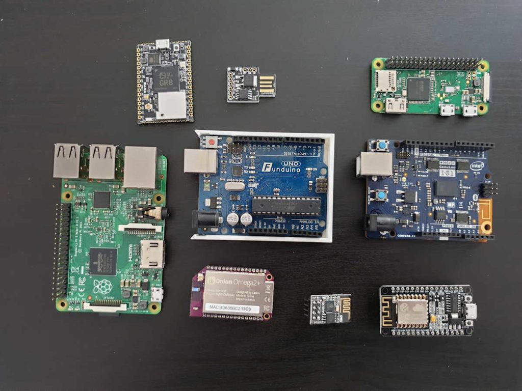 Sammlung von Einplatinenrechnern und Mikrocontrollern